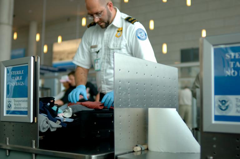 Agente de aduanas de TSA